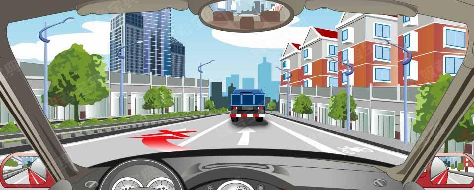 路面同向车行道分界线指示不允许跨越超车。