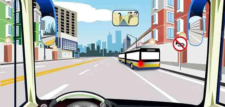 驾驶机动车超车时遇到这样的情况怎样保证安全?