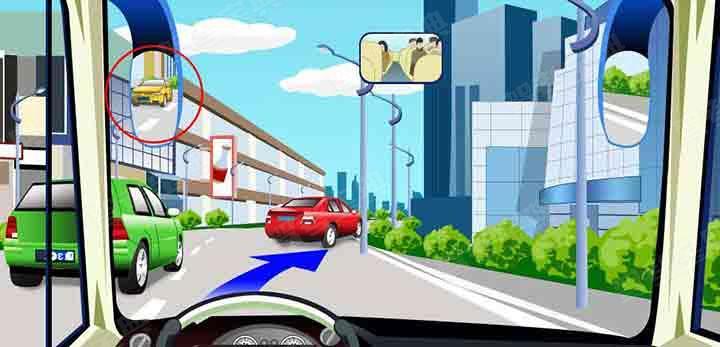 驾驶机动车遇到这种情况要主动减速让后车超越。