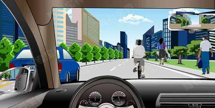 如图所示,驾驶机动车遇到非机动车占道行驶时,以下做法正确的是什么?