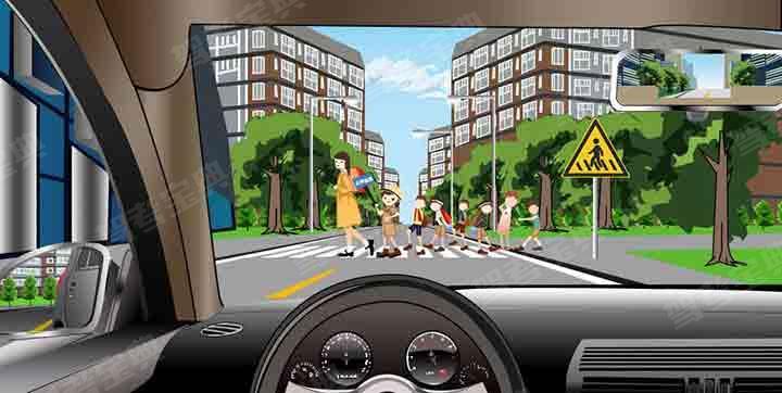 如图所示,驾驶机动车遇到这种情况时,应当停车让行。
