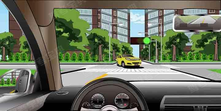 如图所示,驾驶机动车直行通过路口,遇对向车辆左转时,让已在路口内的左转车辆优先通过路口。