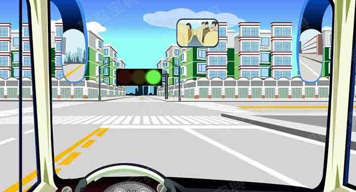 如图,驾驶机动车进入左侧车道可以掉头。