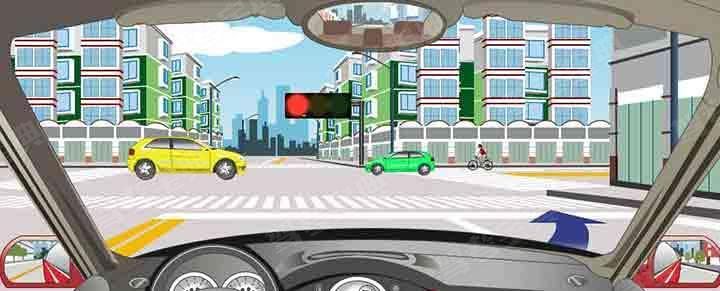驾驶机动车可在该路口处向右变更车道。