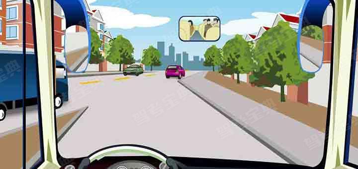 在这种情况下驾驶人需要注意什么?